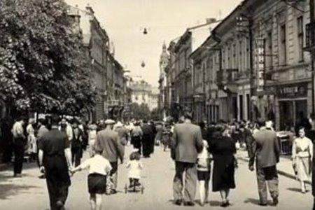 Життя єврейського кварталу Чернівців під час приходу Червоної армії