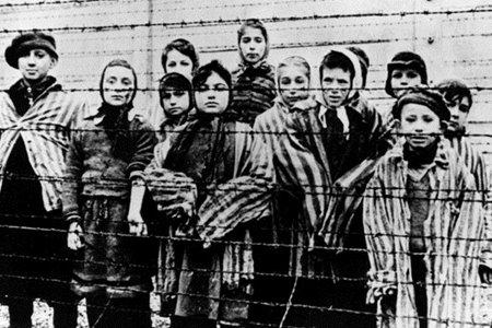 «Жах оселився в наших серцях»: розповідають очевидці Голокосту