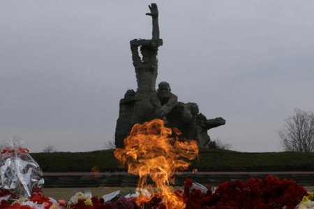 Путін про пакт Молотова-Ріббентропа, Голокост і Бабин Яр: неоімперські амбіції та інструменталізація історії