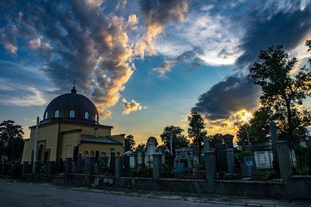 Небо над Єврейським цвинтарем